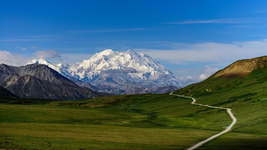 De hoogste berg van Noord-Amerika is Mount McKinley in Alaska.